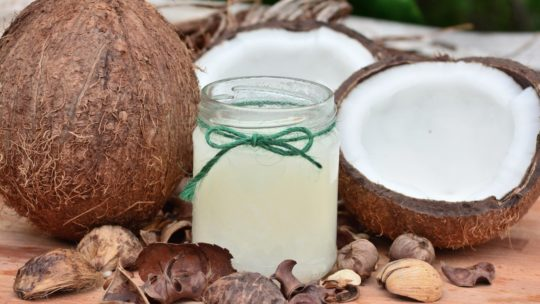 Huile de coco : ses bienfaits en cosmétique