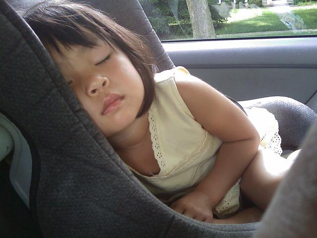 Comment assurer la sécurité de votre enfant en voiture?