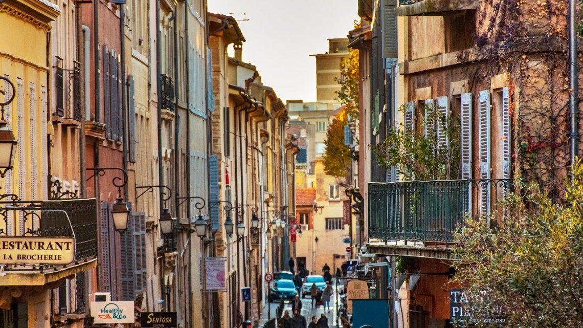 Comment ne pas dépasser le budget de votre déménagement à Aix-en-Provence