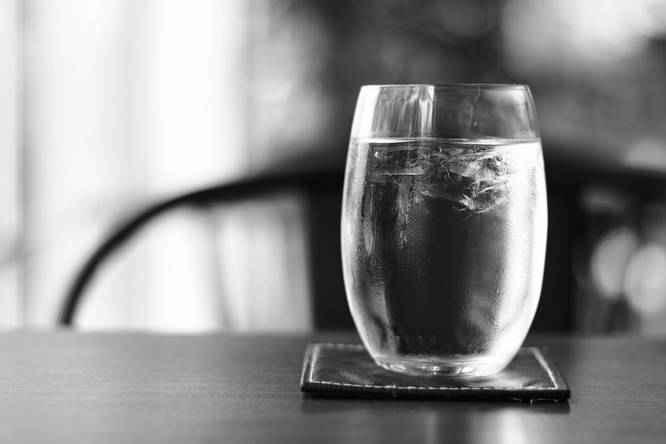Pourquoi choisir une fontaine à eau sur réseau dans votre entreprise ?