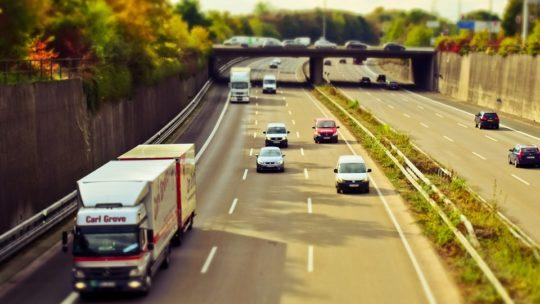 Le transport routier de marchandises : avantages et incommodités