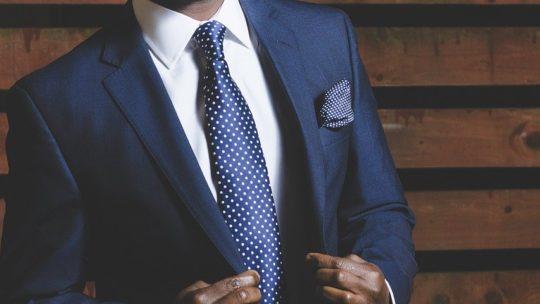 Costume sur mesure : l'élégance masculine