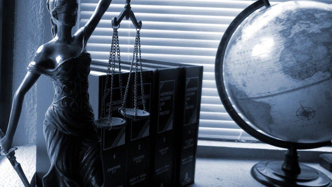 Pourquoi faire appel à un avocat en droit de la fonction publique hospitalière?